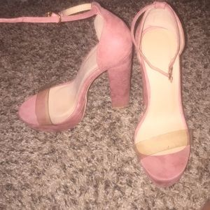 Windsor like new rose gold heels